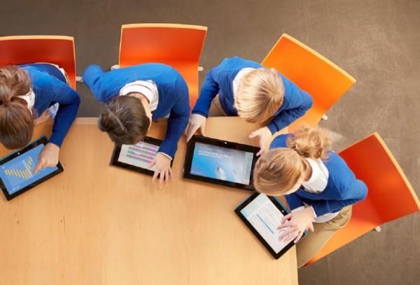 nen-chon-mua-tablet-hay-laptop-de-phuc-vu-hoc-tieng-anh