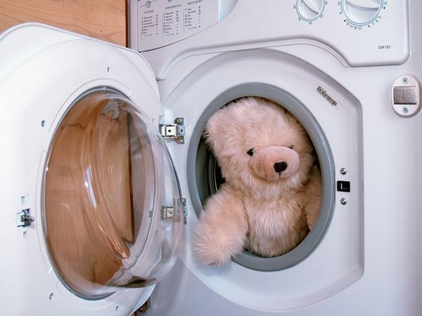 Giặt thú nhồi bông bằng máy giặt thế nào cho đúng?