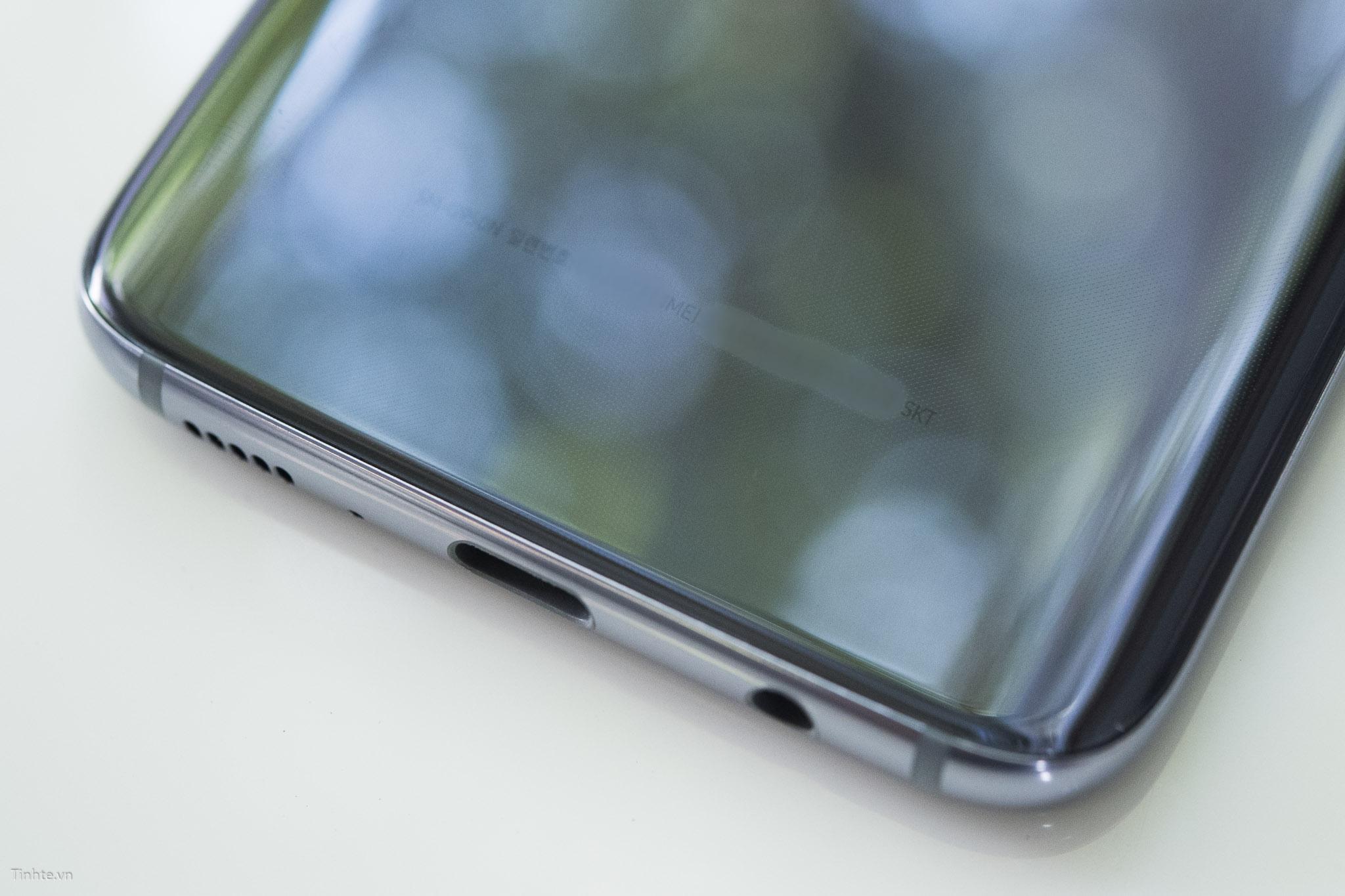 Mục Sở Thị Điện Thoại Samsung Galaxy S8 Xám Phong Lan