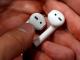 Cách lấy tai nghe AirPods khi đị rơi xuống cống cực đơn giản