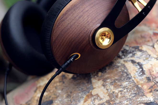 Meze 99 Classics Gold - Tai nghe vỏ gỗ, mạ vàng